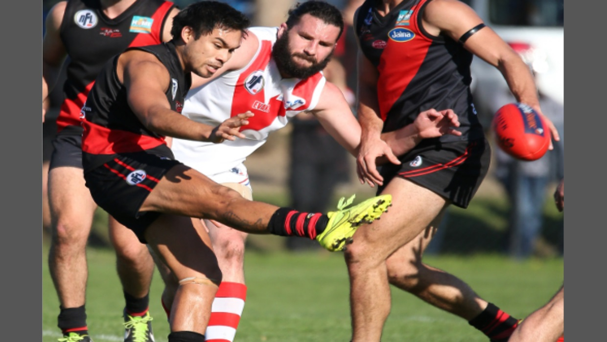 Panthers swamp Roosters in final term